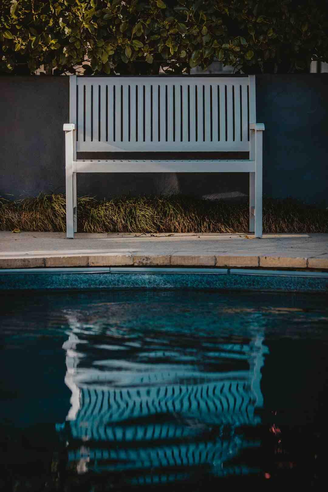 Comment refaire les joints de margelle de piscine ?